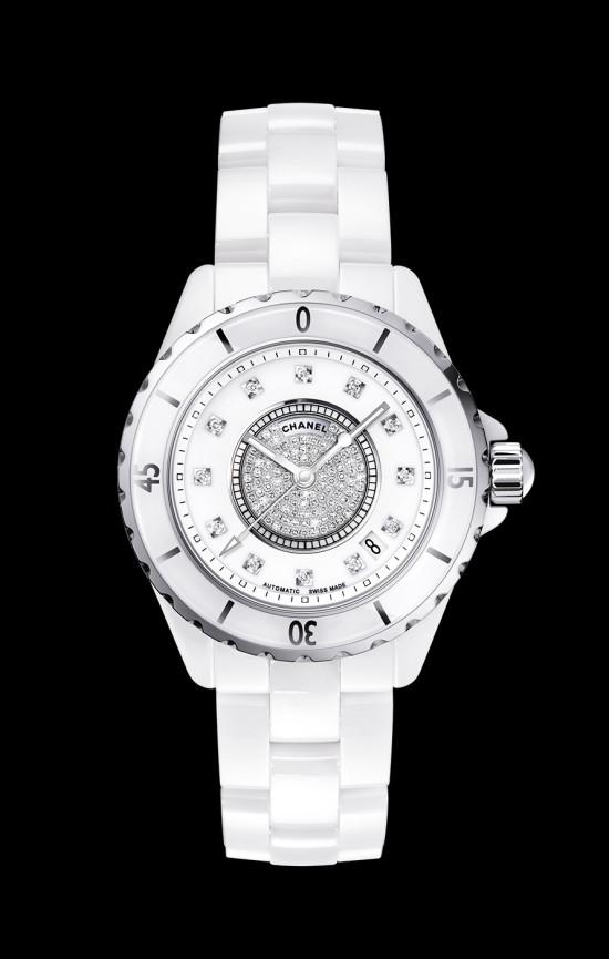 シャネルの腕時計J12のオーバーホールとメンテナンス費用の値段